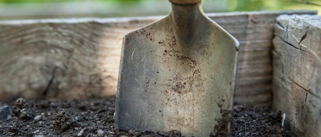 Gartenarbeiten erledigen lassen